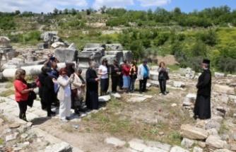 Stratonikeia Antik Kenti'ne 600 yıl sonra atanan piskopostan ilk dua