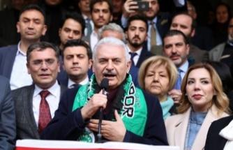 """Binali Yıldırım: """"Yolları böleriz, Türkiye'yi böldürmeyiz"""""""
