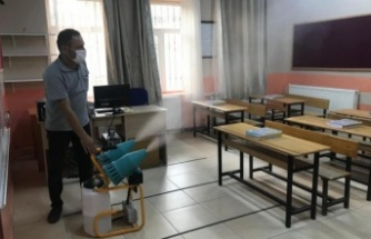 Yatağan Belediyesi, okulları dezenfekte etti