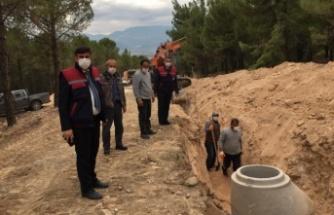 Yatağan Belediyesi, hastanenin kanalizasyonunu yapıyor