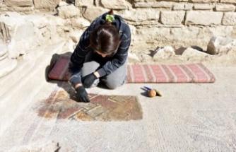 """""""Aşkın ve Gladyatörlerin Kenti"""" Stratonikeia'da 1600 Yıllık Mozaikler Gün Yüzüne Çıkarılıyor"""