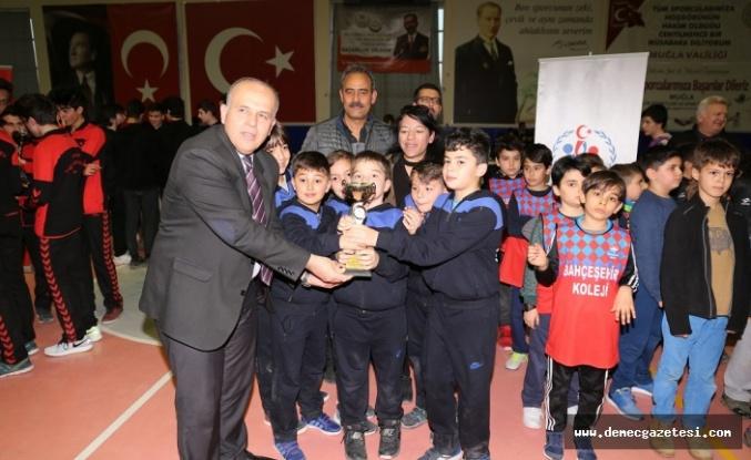 91 takımın satranç müsabakaları Yatağan'da gerçekleştirildi