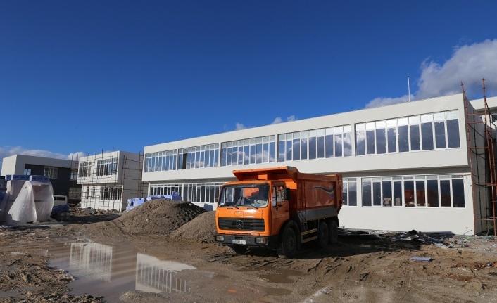 Yıllardır bitirilemeyen okulun inşaatında sona gelindi