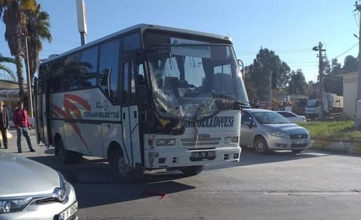Yatağanspor takım otobüsü kaza yaptı: 2 yaralı