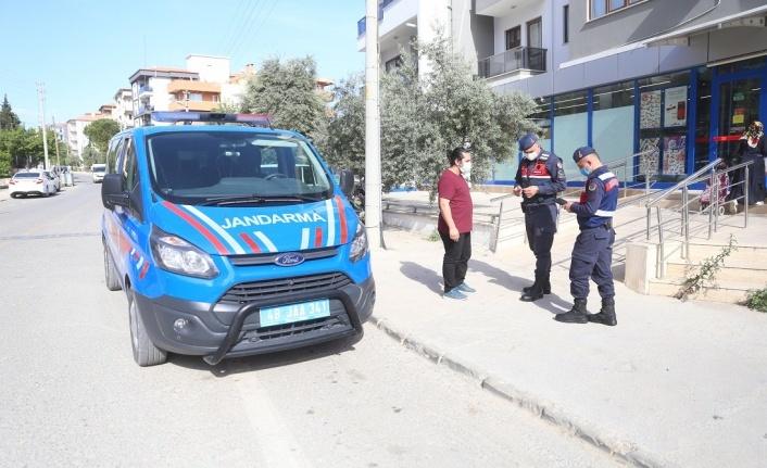 Jandarma, ilçe merkezindeki uygulamalara destek veriyor